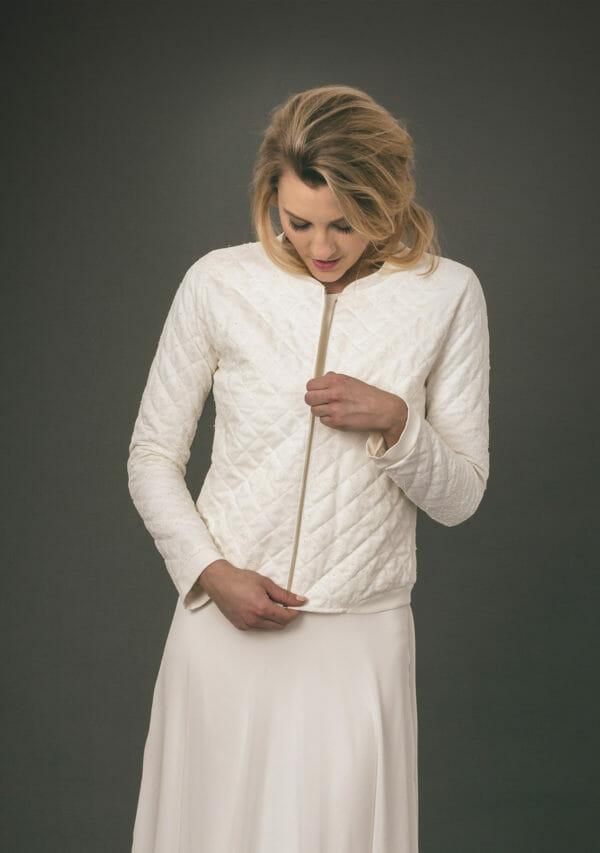 Anne Wolf Brautkleider aus Berlin. Jacken und Mäntel handgefertigt. Jacke Lola.