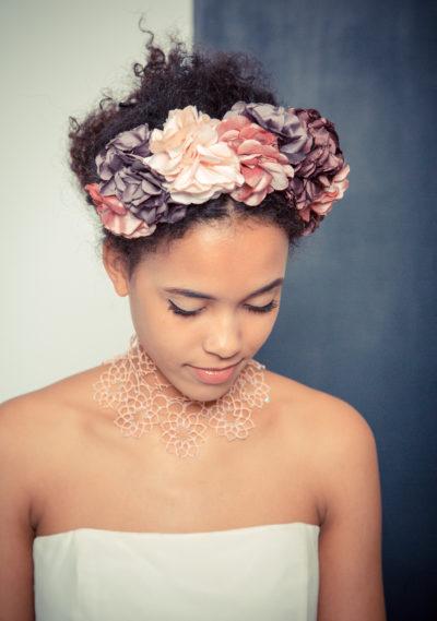 Haarschmuck aus handgemachten Seidenblüten