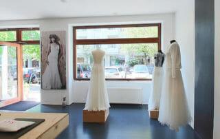 Traumhafte Brautkleider in unserem Brautgeschäft in Berlin.