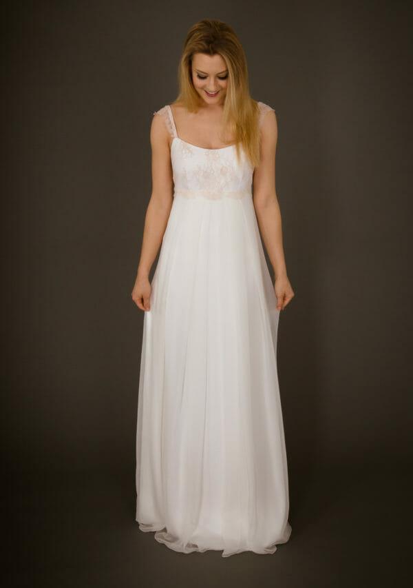 Brautkleid von ANNE WOLF. Modell Astrid.
