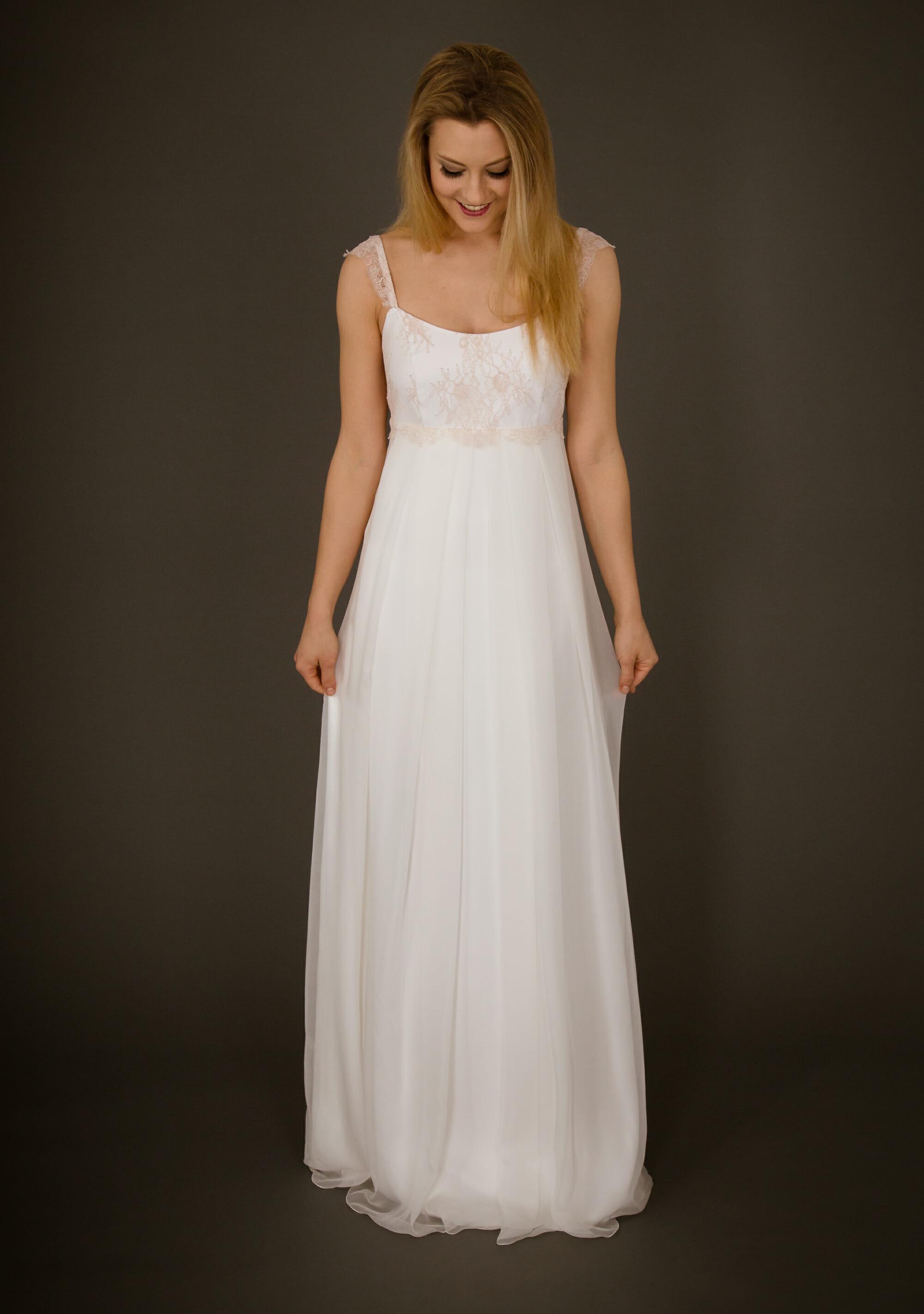 Dein Brautkleid aus Berlin // Die Kollektion von ANNE WOLF
