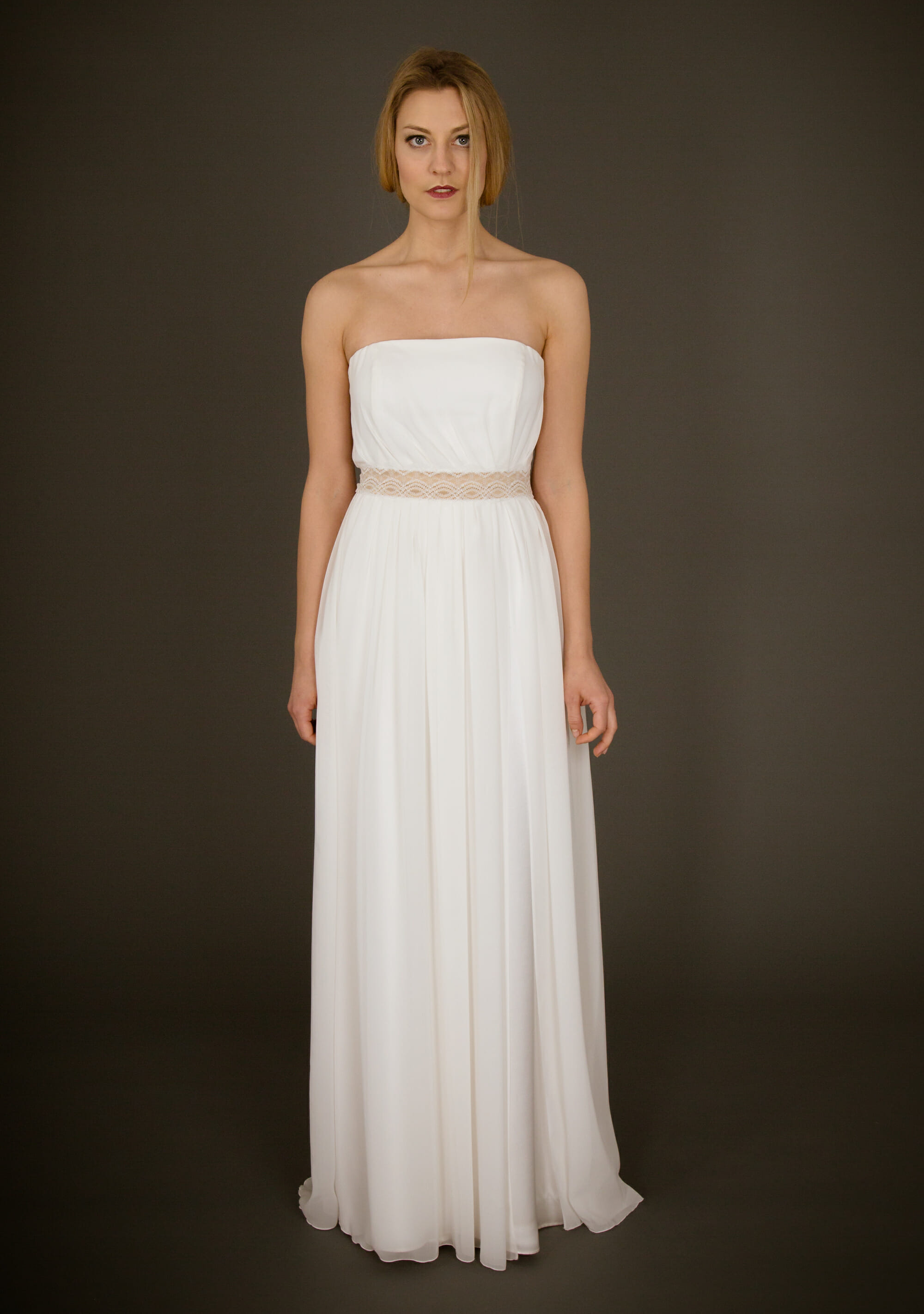 Brautkleid von ANNE WOLF. Modell Karina.