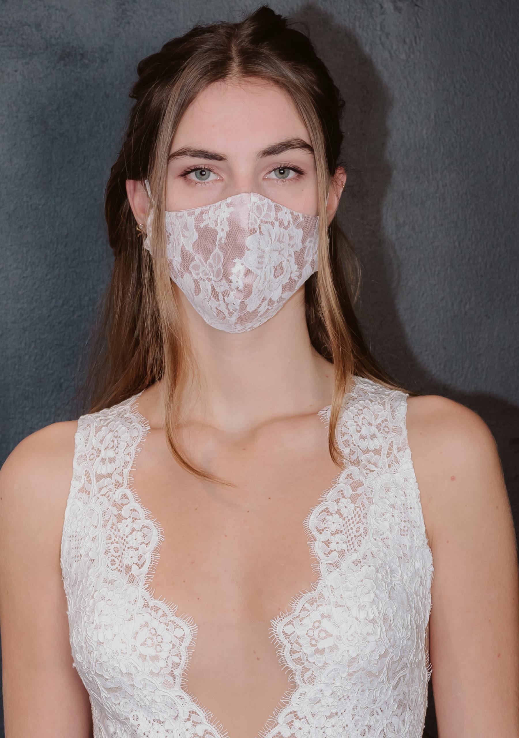 Gesichtsmaske mit Spitze von ANNE WOLF